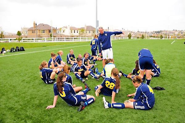 Chris-Hurst-Coaching-Girls-Team